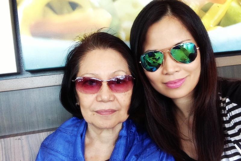 mom-daughter