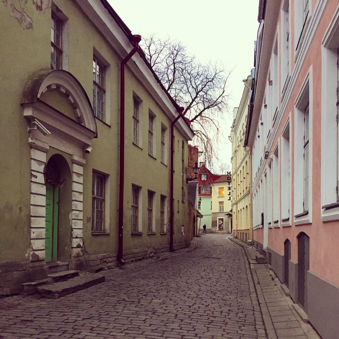 Somewhere in the old town of Tallinn. If you walk a bit further from the Town Hall Square and the busy Viru street, you might find some beautiful, deserted nooks like this. Well, who doesn't love old, colourful houses an cobblestone streets, raise your ha