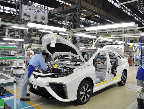 «Toyota» може на тиждень зупинити виробництво