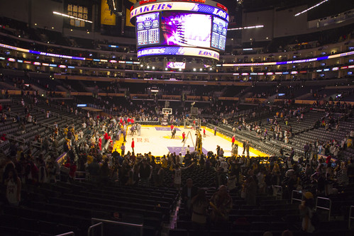 10 Lakers 01
