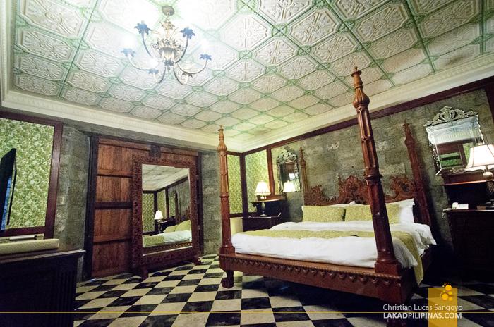 Las Casas Filipinas de Acuzar Casa Bizantina Room