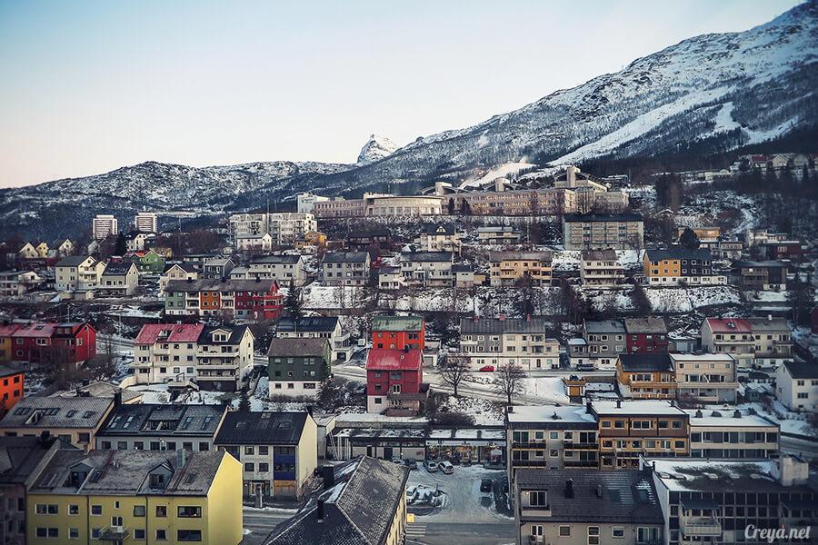 2016.02.23▐ 看我歐行腿 ▐ 阿呀~一不小心就從瑞典到了挪威, Narvik 小鎮遇見地理課本中的峽灣 30.jpg