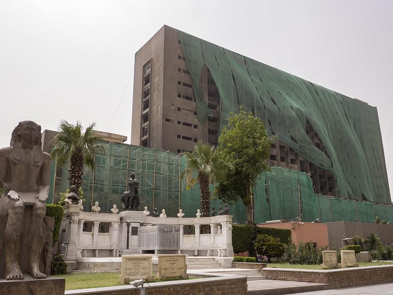 Mausoleo de Auguste Mariette en los jardines del Museo Egipcio de El Cairo