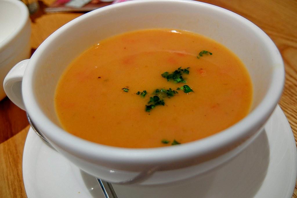 蕃茄湯,湯頭帶著一點甜味