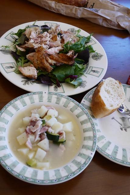 木, 2016-01-28 13:54 - 昼食 トーストチキンサラダ、スープ