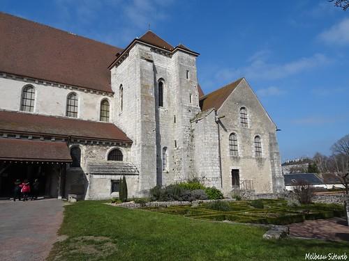 Basse ville Chartres, du vide grenier à la collégiale St André