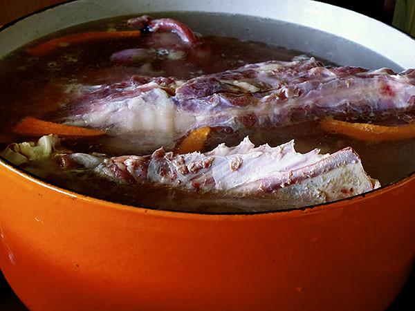 bouillon de carcasse