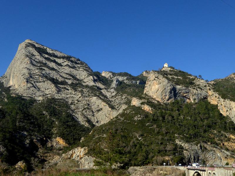 Castell-llebre i Roc de Rombau