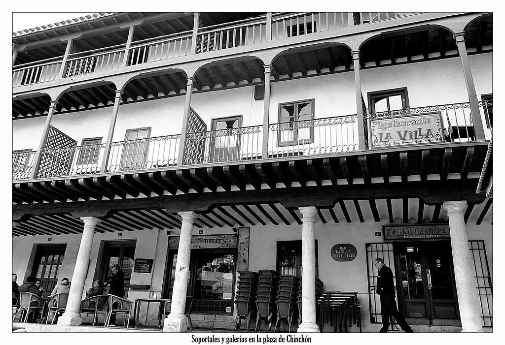 Soportales y galerías en la plaza de Chinchón