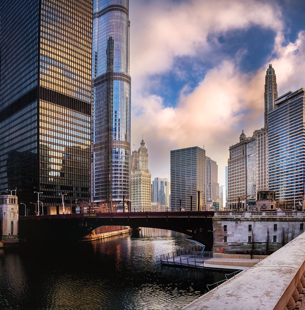 Hotels Near Greektown Chicago