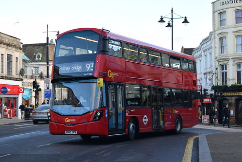 Go-Ahead London General WHV107 on Route 93, Wimbledon