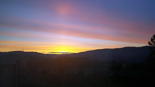 sunrise bc resort vernon sparklinghill sparklinghillresort