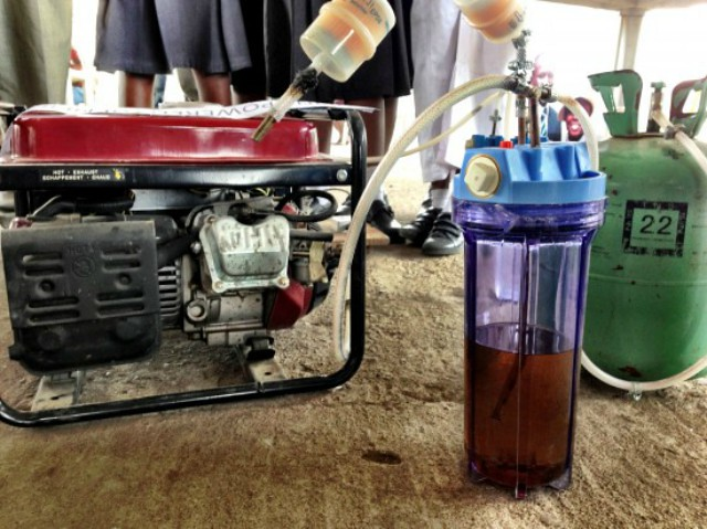 generador1-electrico-alimentado-por-orina-diarioecologia