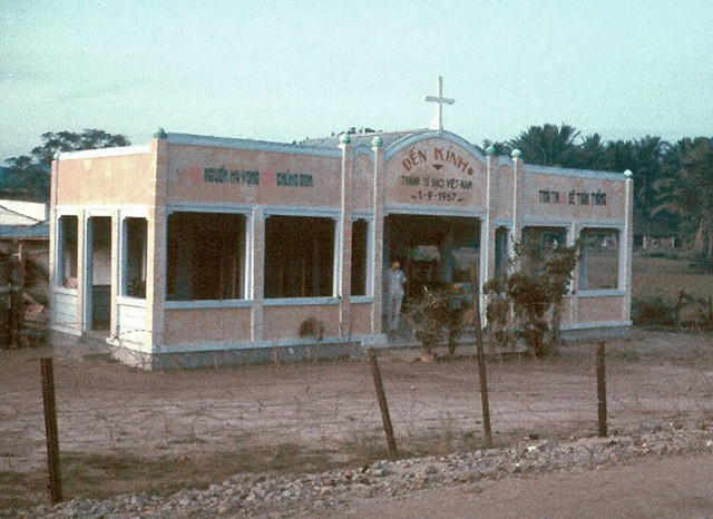 DUC PHO 1967 - New Church - Photo by Richard B Mayes