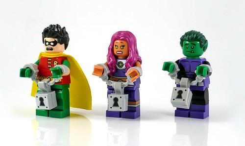 LEGO DC Superheroes 76035 Jokerland figures 05