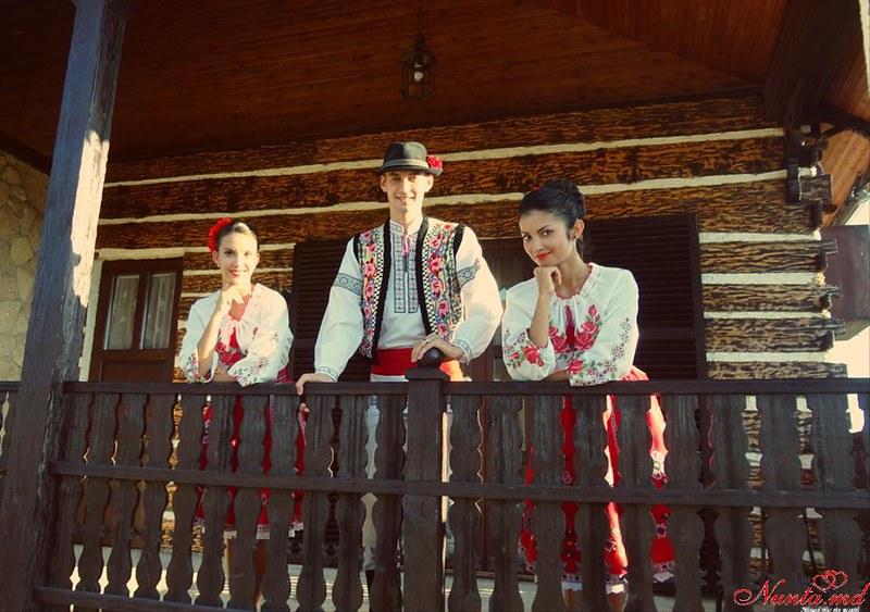Joc Moldovenesc! Dansatori pentru orice Eveniment