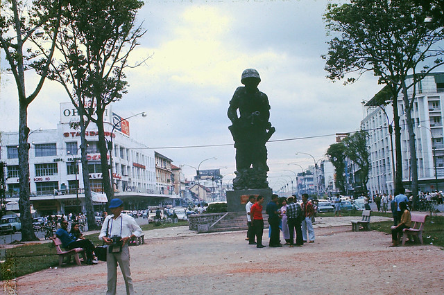 Saigon 1970 by Mark - Monument dedicated to Vietnamese Marines - Tượng đài TQLC