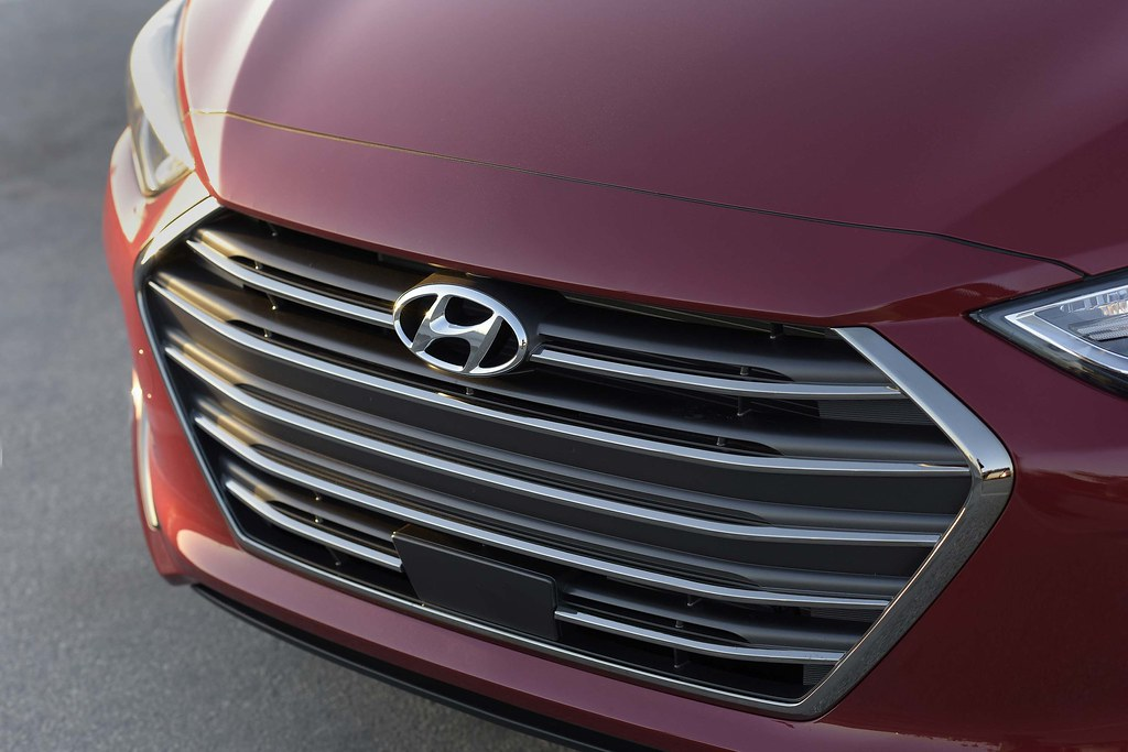 2017 Hyundai Elantra: Small Wonder