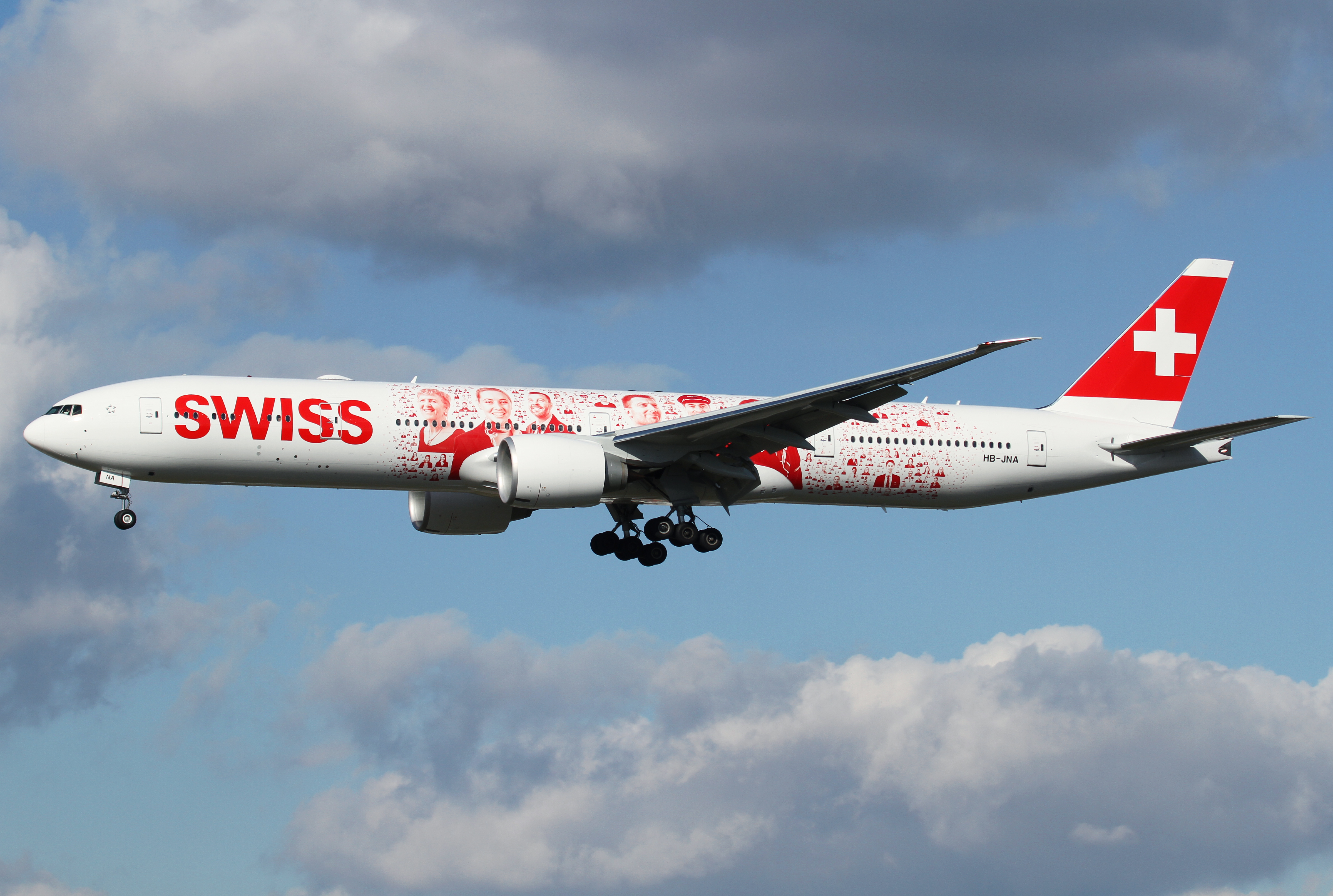 Second attempt for me to catch the new flagship of SWISS. This time it worked out great with perfect light conditions. Short final for RWY25L inbound from Zurich ZRH as LX1072 on another crew training flight. Aircraft delivered January 28th, 2016.