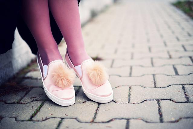 pom_pom_shoes