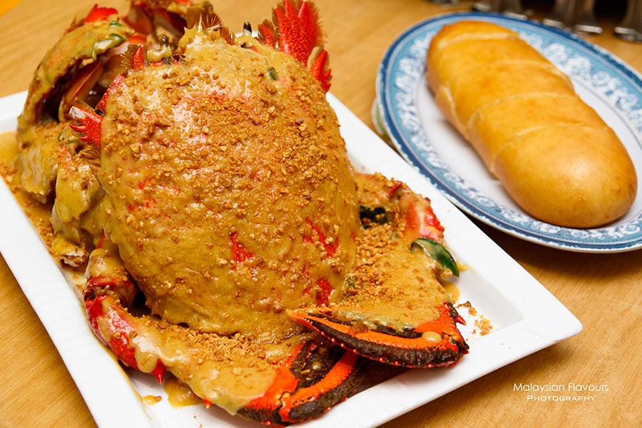 Crab B Restaurant peanut butter spanner crab