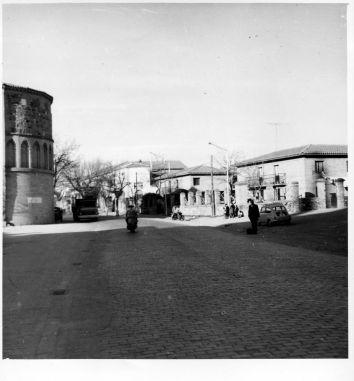 Hospital de San Lázaro (ábside) y antigua cárcel. Fondo Rodríguez, Archivo Histórico Provincial, JCCM, signatura CT-088