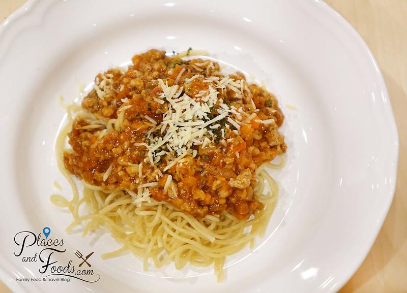 tip's bake house chidlom spaghetti bolognaise