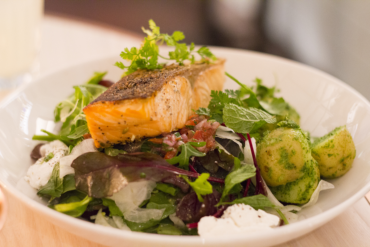 roasted-salmon-salad-evelyns-manchester