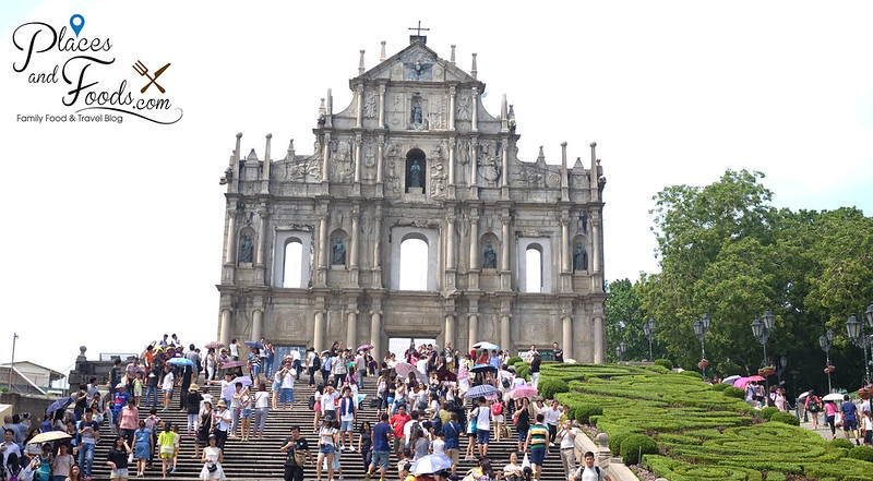 ruins of st paul and the grand stairs