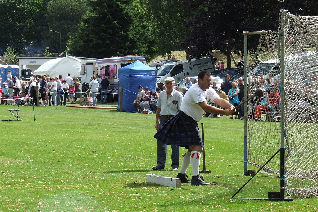 Mini highland games edinburgh stag do ideas activities your browser must have javascript enabled to play this video solutioingenieria Gallery