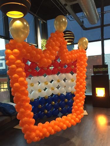 Kroon van Ballonnen Koningsdag Watertuin Spijkenisse