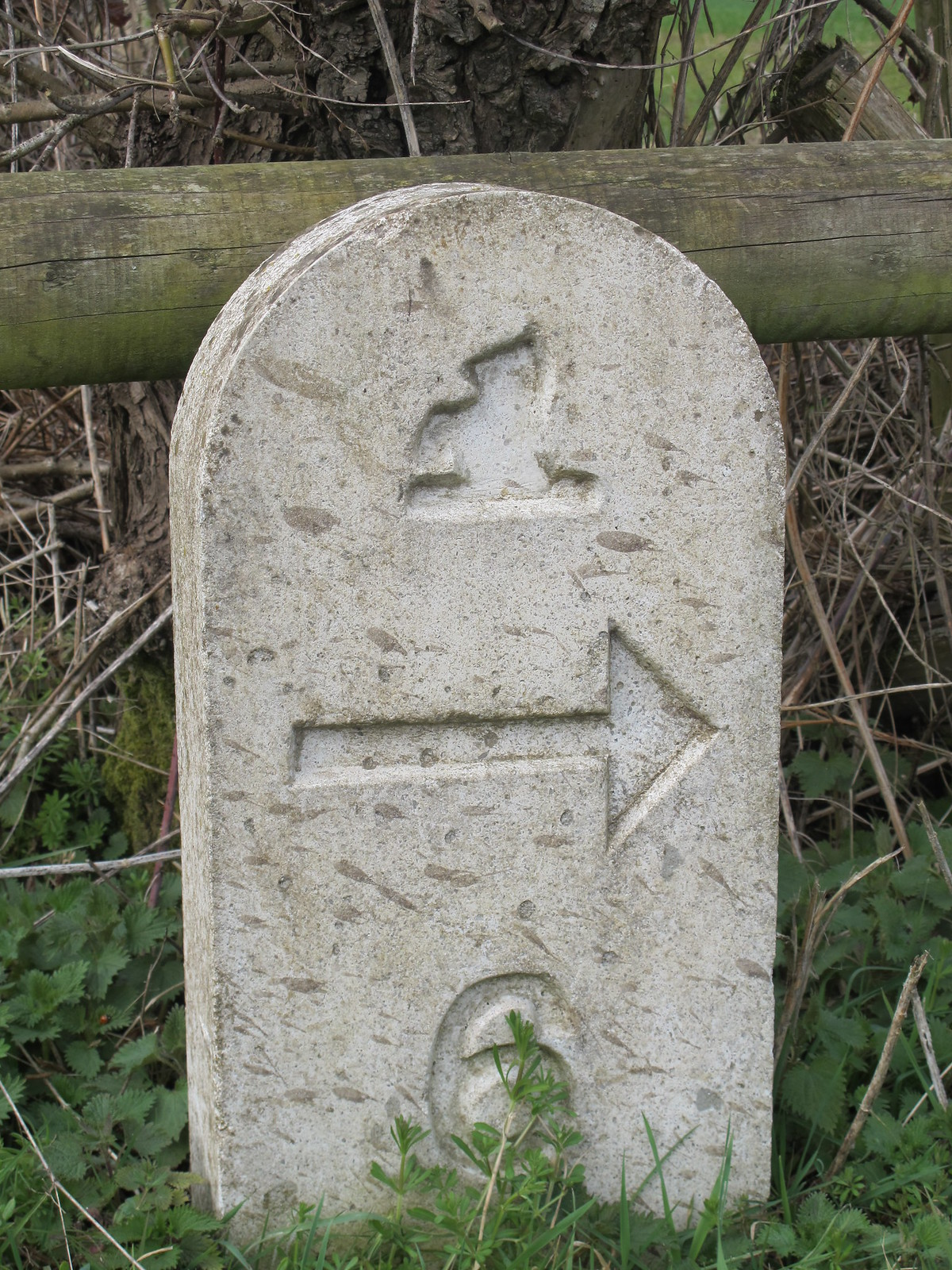 Mottisfont Estate Path Marker Stone 6 SWC Walk 58 Mottisfont and Dunbridge to Romsey taken by Karen C.