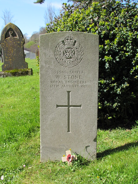 Brent Knoll: St Michael's Churchyard (Somerset)