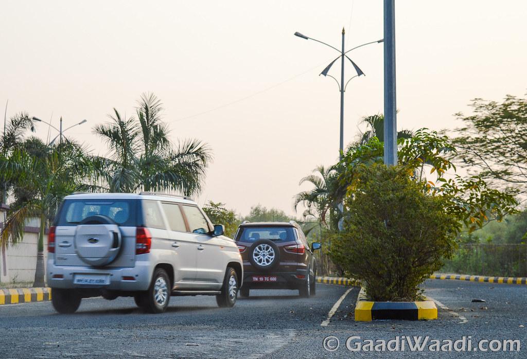 Ford Ecosport vs TUV300-20