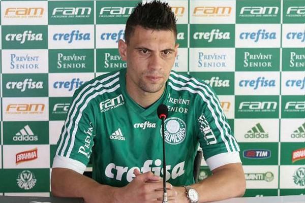 Regularizado, Mois�s pode estrear pelo Palmeiras contra o Linense