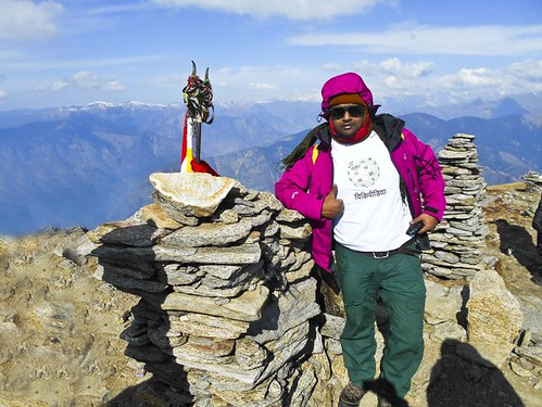 Wikipedian Indrajit Das at Kedarkantha Peak - During Kedarkantha Summit 2016 in Winter , Uttrakhand, India