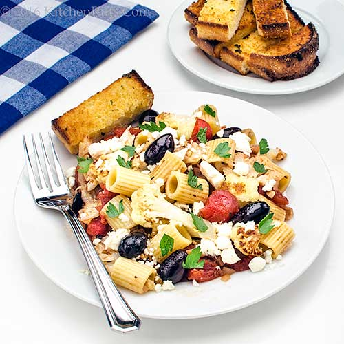 Pasta with Cauliflower and Olives