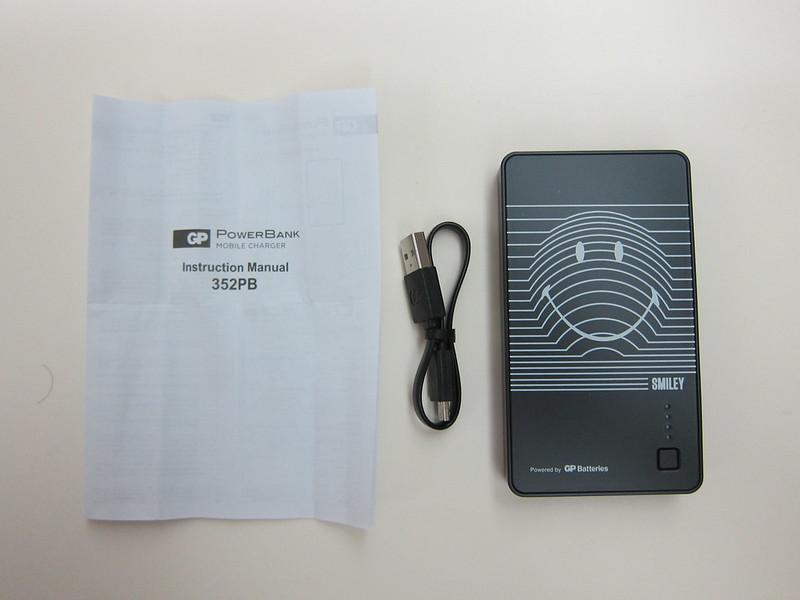 GP x Smiley Special Edition PowerBank - Box Contents