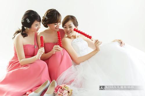 來看看我們在高雄建國國小拍的閨蜜婚紗吧!Kiss九九麗緻婚紗 (5)