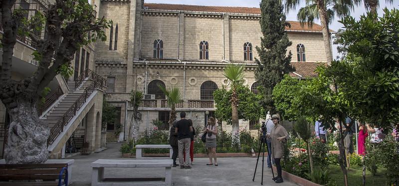 4- Mersin katolik kilisesi bahcesi