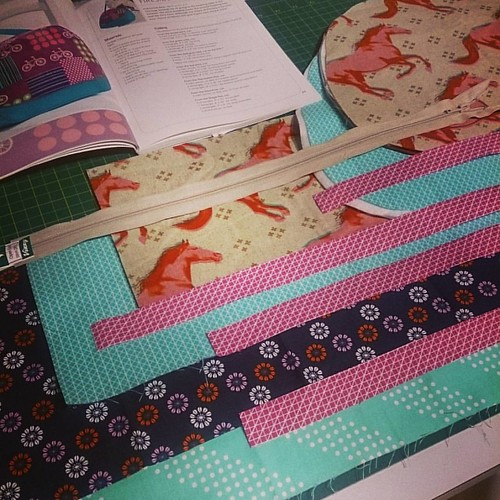 #sewmystash2016 April challenge at #saturdaynightcraftalong hosted by @barefootcrafter
