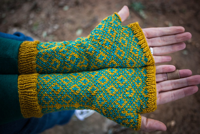 FO: Endpaper Mitts