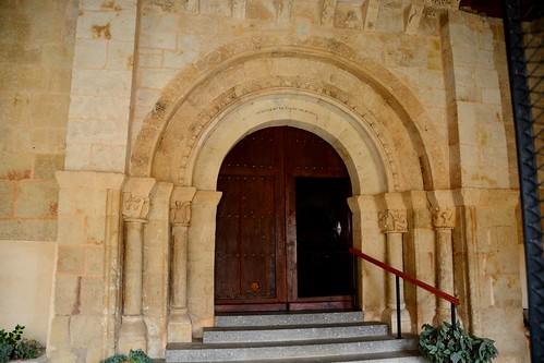 Almenara de Tormes (Salamanca). Santa María la Mayor. Portada