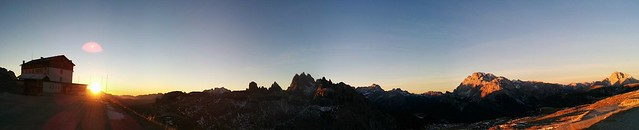 Sonnenaufgang an der Auronzohütte