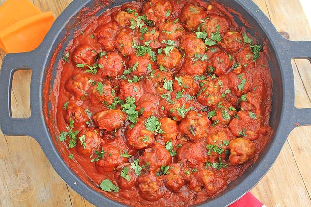 Albondigas de cordero con tomate www.cocinandoentreolivos.com (22)