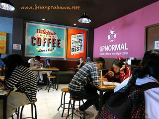 Warunk Upnormal Cempaka Putih Jakarta Pusat