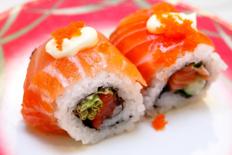 Salmon Mayo Ebiko Sushi
