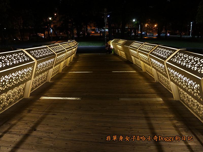 高雄勞工夜市&愛河之心夜景20
