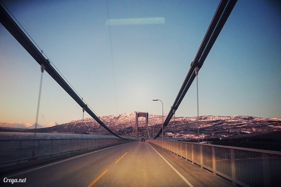 2016.02.23▐ 看我歐行腿 ▐ 阿呀~一不小心就從瑞典到了挪威, Narvik 小鎮遇見地理課本中的峽灣 38.jpg