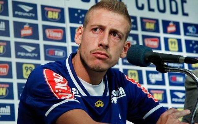 Ap�s contratar Federico Gino e Lucas Romero, Cruzeiro estuda emprestar Uillian Correia